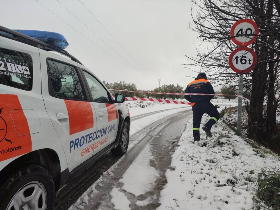Cortada al tráfico por nevadas la carretera Avilés - Bullas