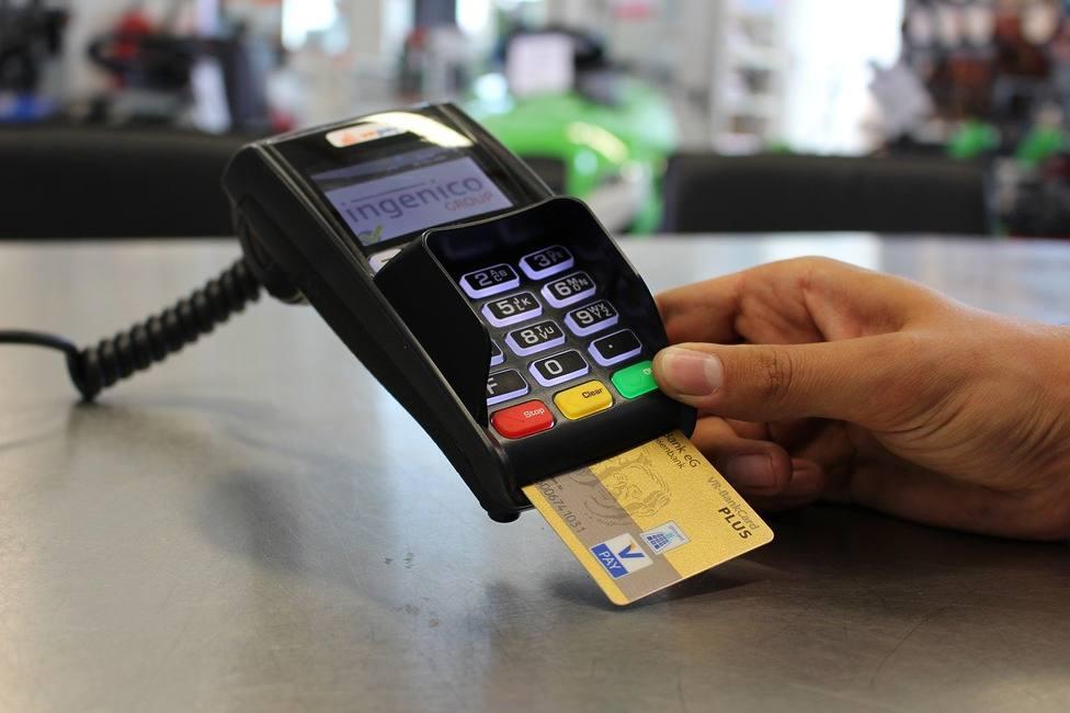 Los pagos con tarjeta cambian para siempre: la nueva normativa que te afectará en tus próximas compras