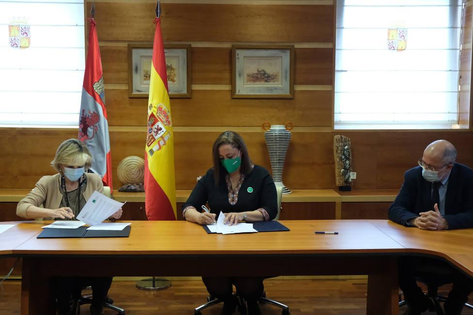 Firma entre Satse y la Junta de Castilla y León