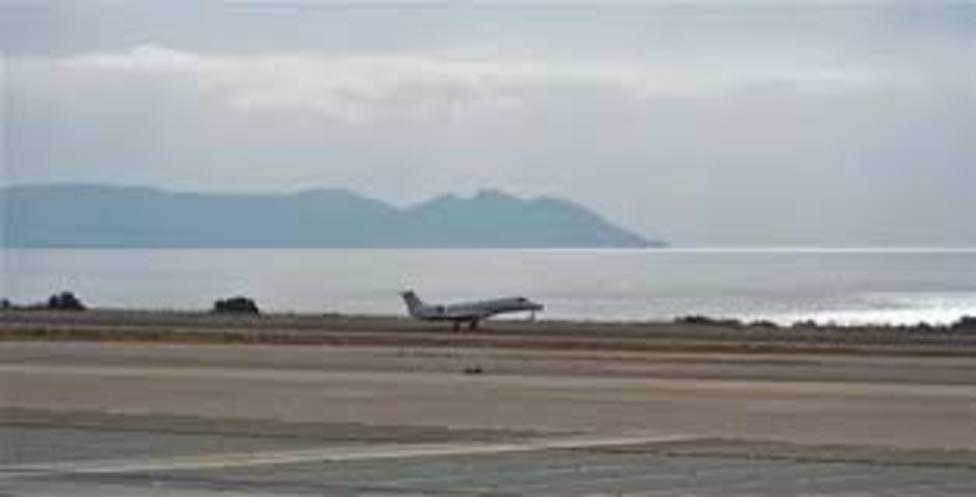 El PP de Almería reclama a Ábalos la restitución del vuelo matinal con Madrid