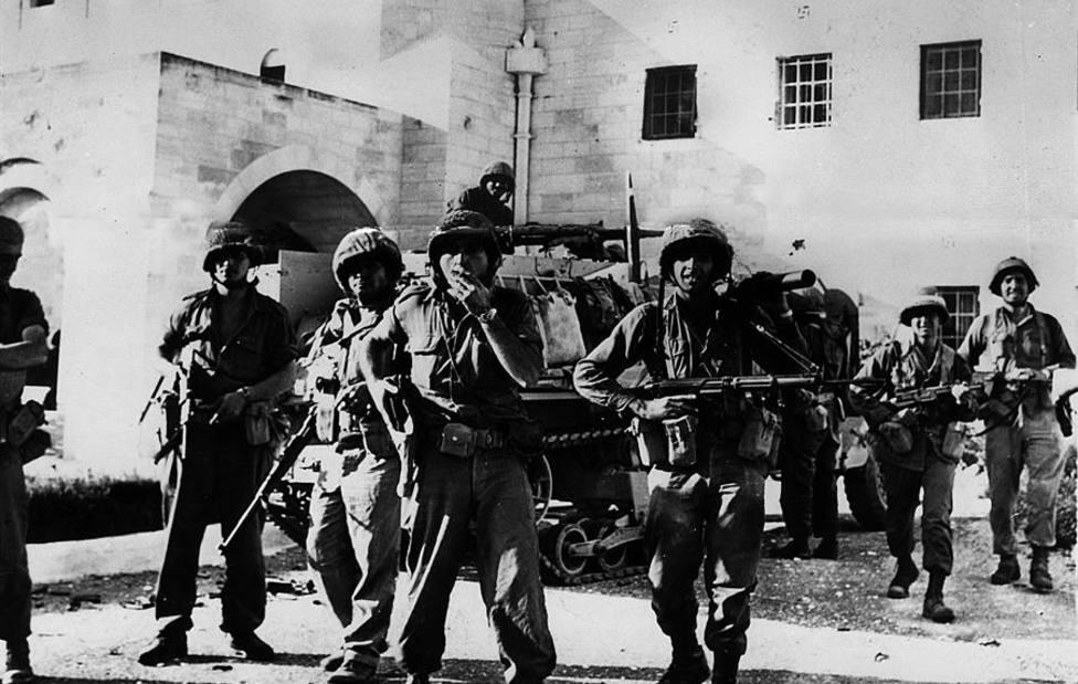 Soldados israelíes durante la Guerra de los Seis Días