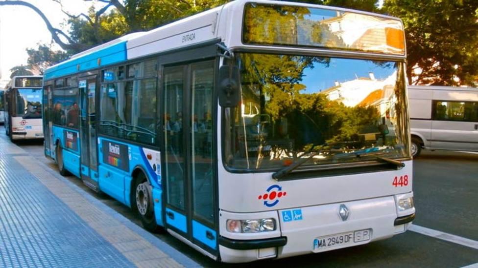 Apuñalada una mujer en el interior de un autobús urbano por abrir la ventanilla