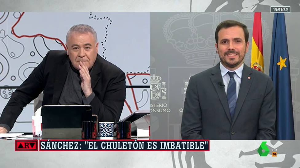 La respuesta de Ferreras sobre el chuletón de Sánchez que deja Garzón con esta cara: Estoy contigo...