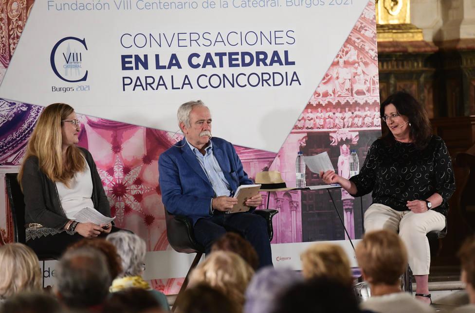 Las escritoras Luz Gabás y Mari Pau Domínguez participan en Conversaciones en la Catedral