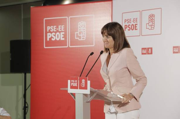 Mendia (PSE) insta a llenar con palabras de recuerdo a las víctimas el medio siglo de silencios impuesto por ETA