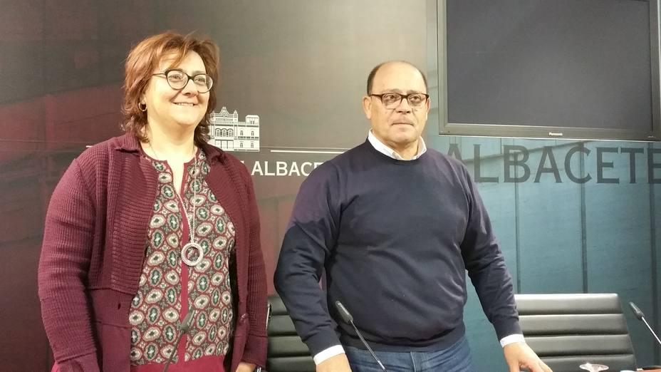 Agustín Moreno y Maria José Vázquez- Diputados PSOE