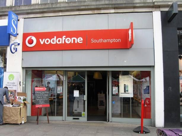 Vodafone España anuncia el despido de un máximo de 1.200 empleados