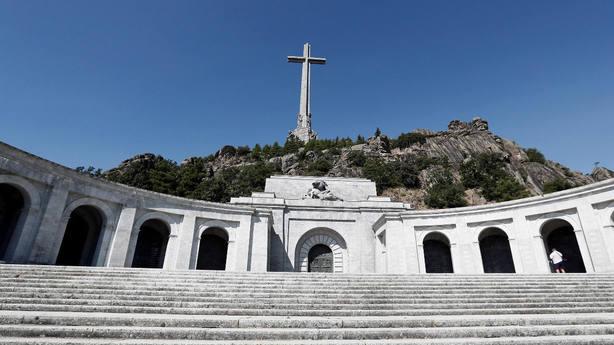 El Gobierno dará luz verde el viernes a la exhumación de Franco