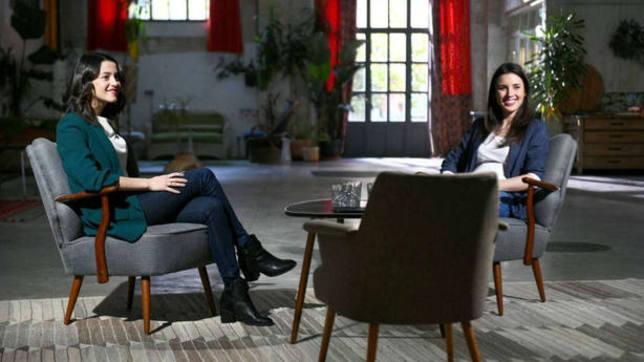 Inés Arrimadas e Irene Montero en una entrevista en televisión