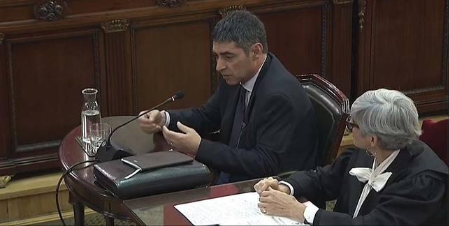 Trapero pidió a Puigdemont cumplir la ley y le avisó que Mossos no le acompañaban el proyecto independentista
