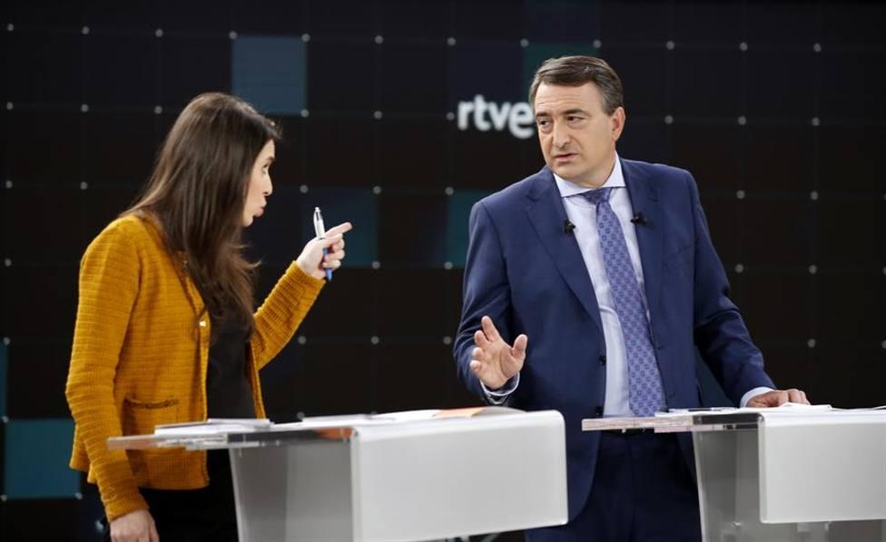 La tensión y los encontronazos marcan el debate electoral de TVE, entre las noticias del día