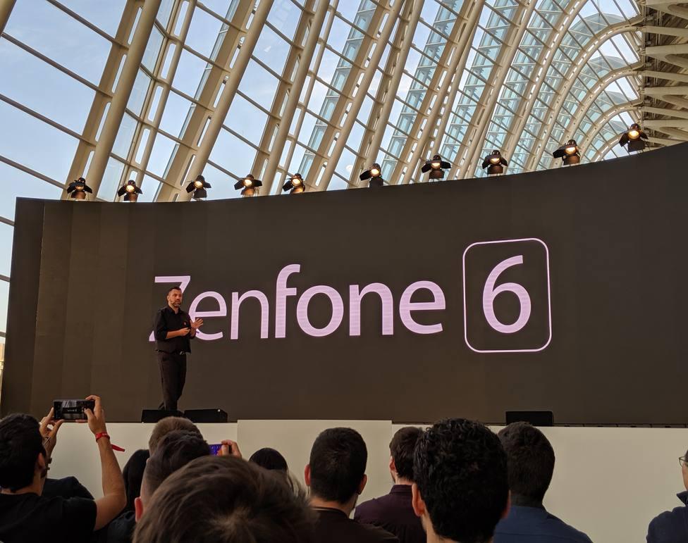Asus introduce la cámara abatible Flip Camera con 48mpx en su ZenFone 6 para una pantalla libre de marcos y muescas