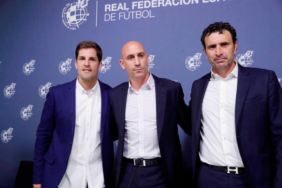 Robert Moreno, Luis Rubiales y Molina, en rueda de prensa (EFE)