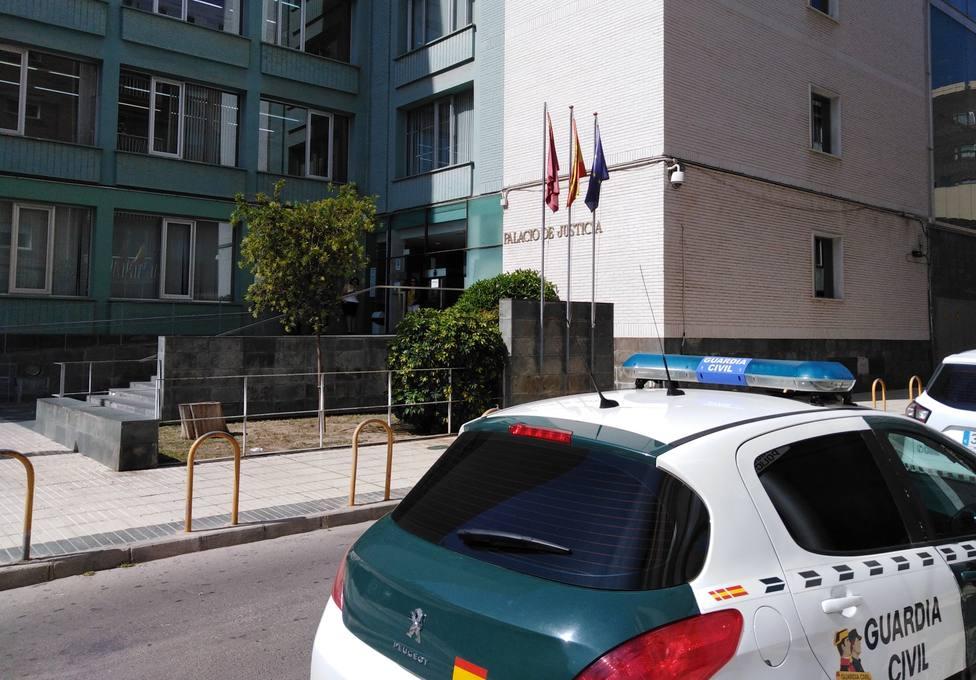 Condenada a 6 meses de cárcel y pagar dos mil euros por ejercer funciones de psicóloga sin serlo