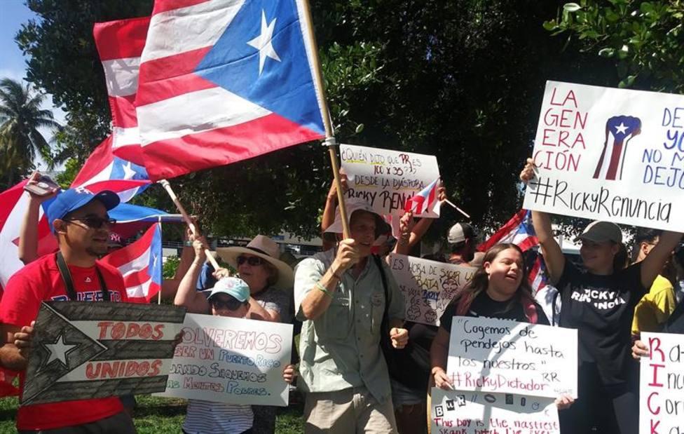 El gobernador de Puerto Rico cede a la presión y no se presentará a la reelección