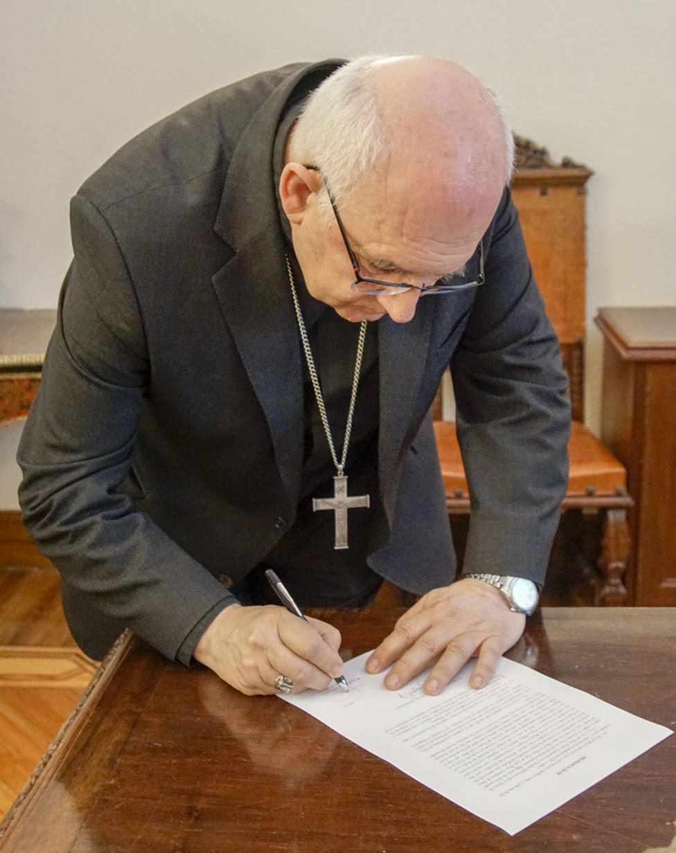 Obispo Ángel Fernández Collado