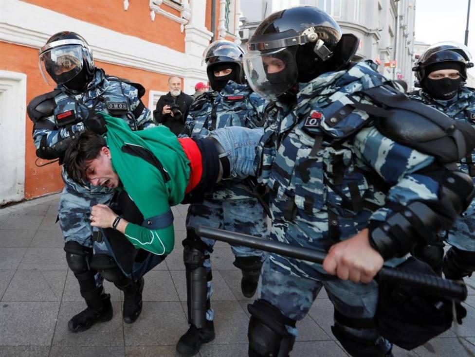 La mayor manifestación contra Putin en los últimos años se salda con más de 300