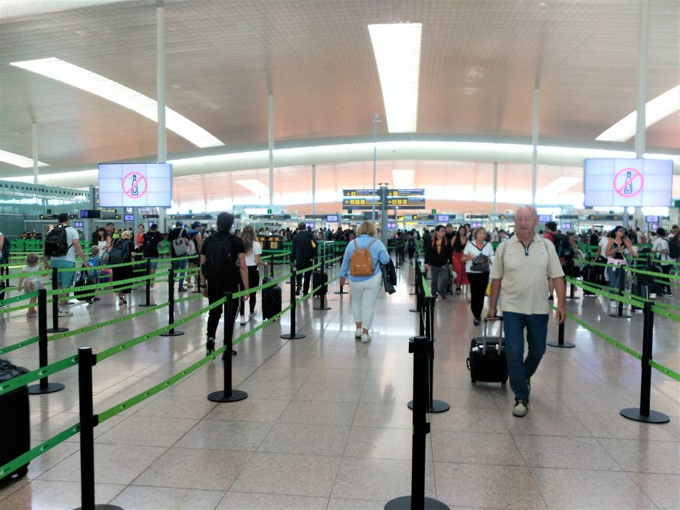 El tercer día de huelga en el Aeropuerto de Barcelona avanza con relativa normalidad