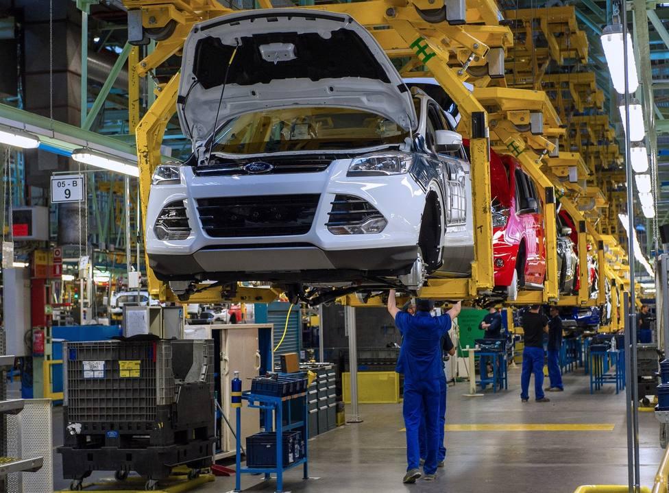 Ford Almussafes retoma su actividad inmersa en el lanzamiento del nuevo Kuga y con un descenso de producción