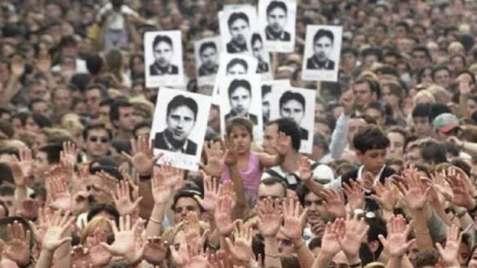 El conocido como Espíritu de Ermua reunió a millones de españoles en las calles de todas las ciudades