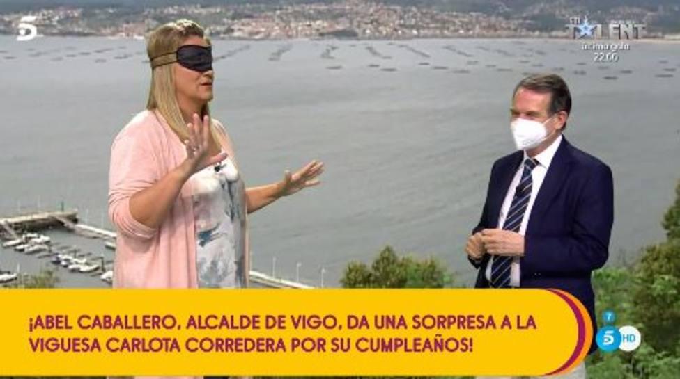 La surrealista visita del Abel Caballero, alcalde de Vigo, a Sálvame