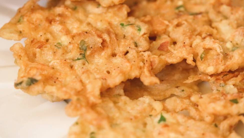 El secreto para cocinar las tortillitas de camarones y que vuelven loco a este exfutbolista del Real Madrid