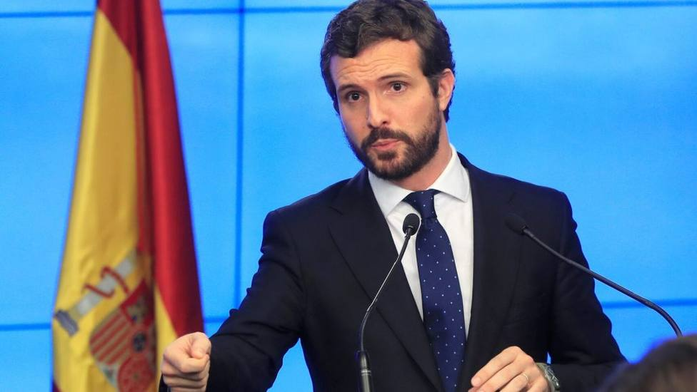 Casado fijará este lunes su posición sobre el estado de alarma tras su charla con Sánchez