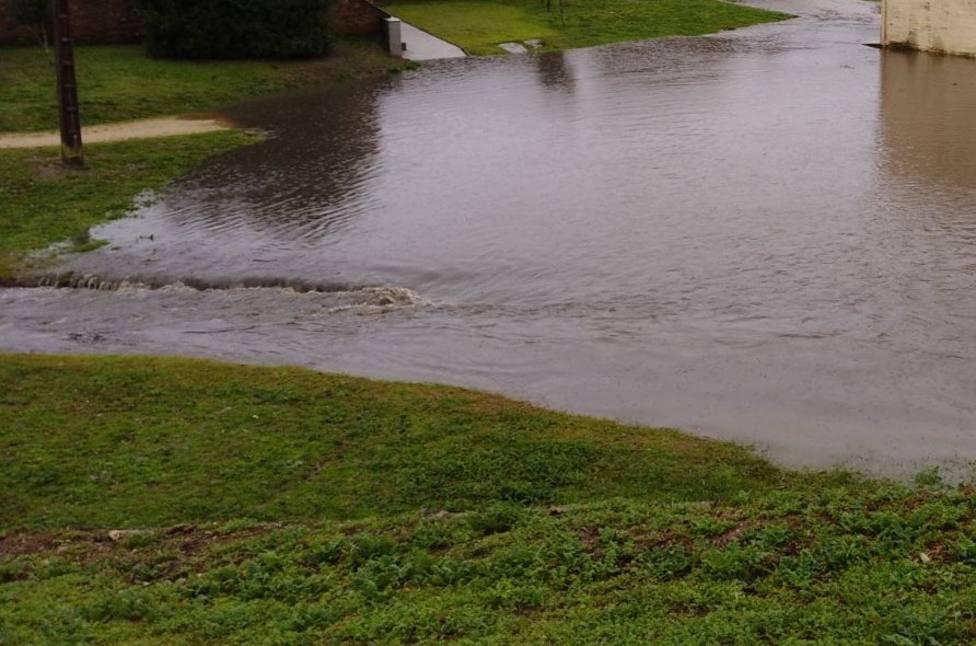 El Miño se desborda en Lugo y las inundaciones mantienen aislados núcleos en Terra Chá