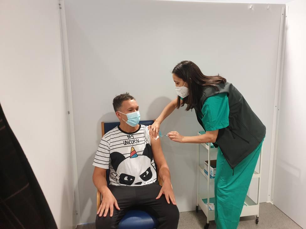 Vacunación con AstraZeneca en el CHUAC