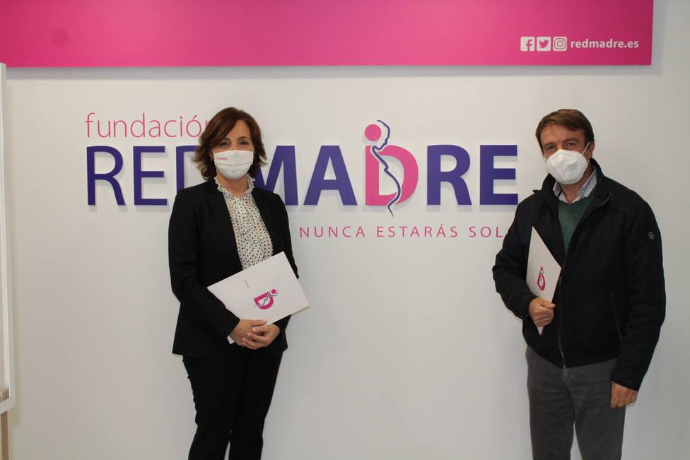 El Ayuntamiento de Tres Cantos firma un convenio con Fundación REDMADRE