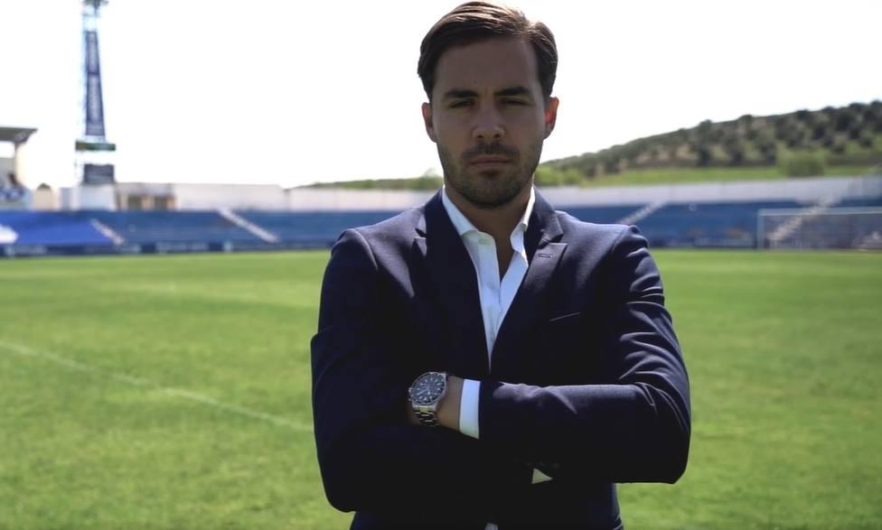 El Linares Deportivo renueva a su director deportivo, Miguel Linares,hasta 2023