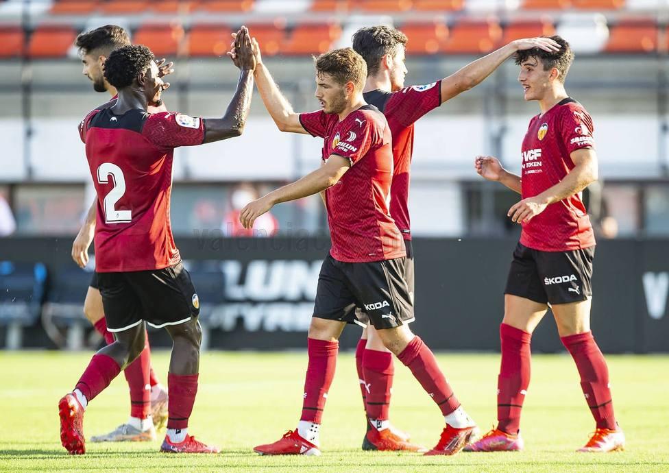 Vallejo, felicitado tras su gol