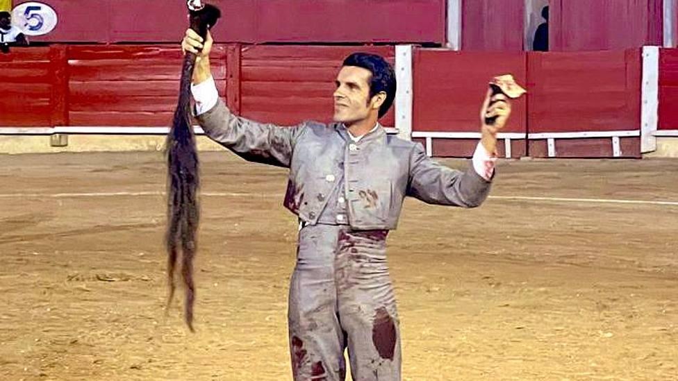 Emilio de Justo ha cortado dos orejas y un rabo este viernes en el festival de Inca