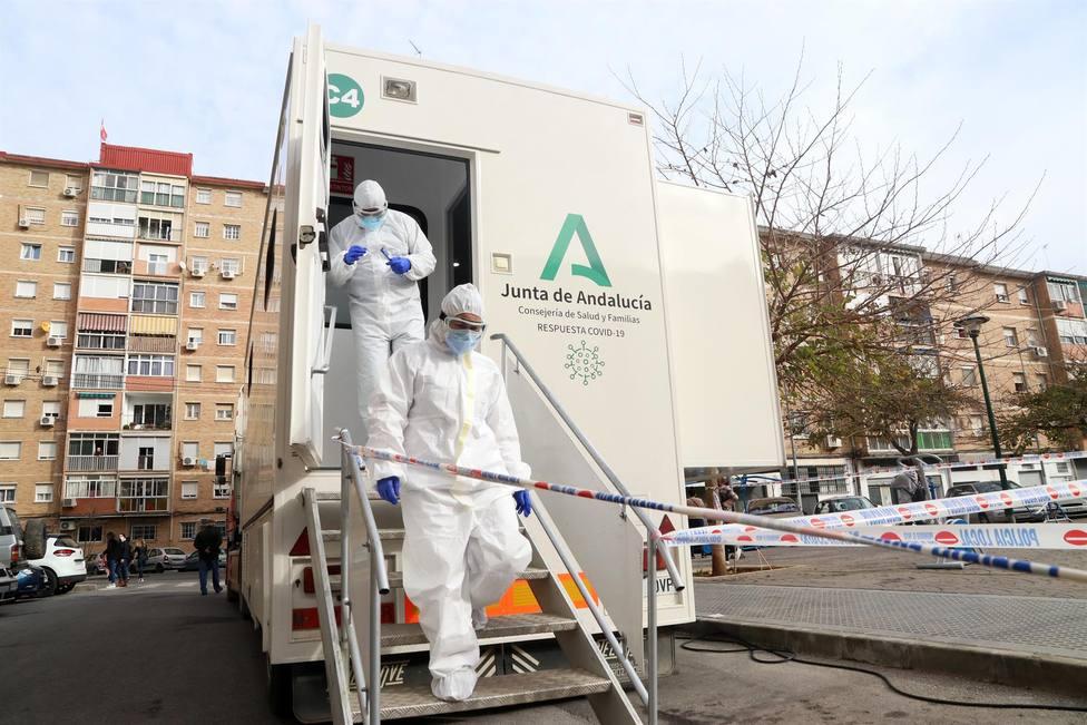 CORONAVIRUS | Andalucía registra 628 contagios, once fallecidos y la tasa continúa bajando hasta 89,5