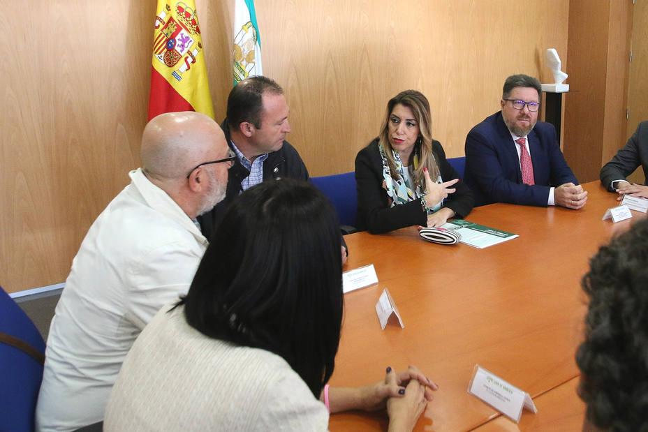 Susana Díaz ve una posible salida para la planta del Cemex pese al ERE que le permite la reforma laboral