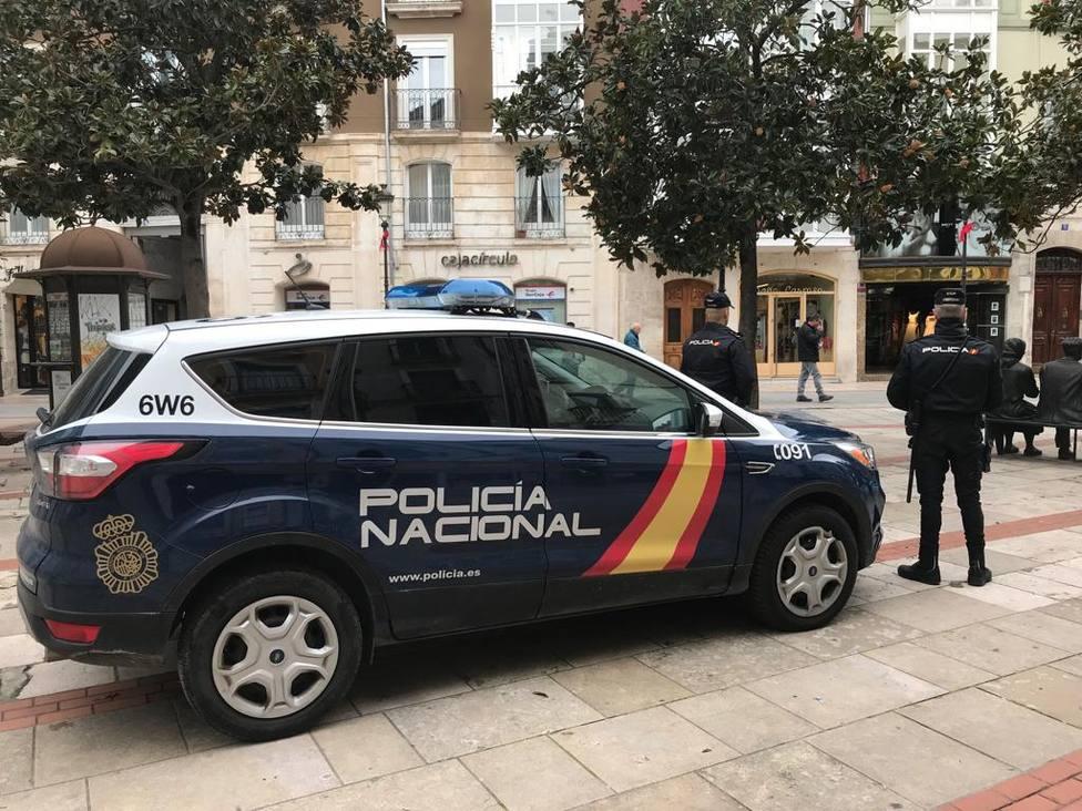 Agentes de Policía Nacional en el centro de Burgos