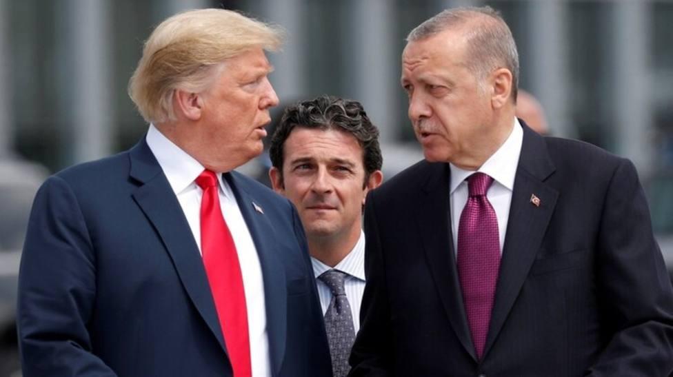 Trump amenaza a Turquía con destruir su economía por la incursión en Siria