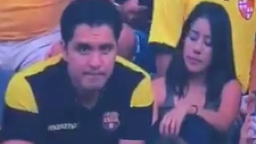Las virales e inesperadas imágenes de una Kiss Cam que captó una infidelidad durante un partido de fútbol
