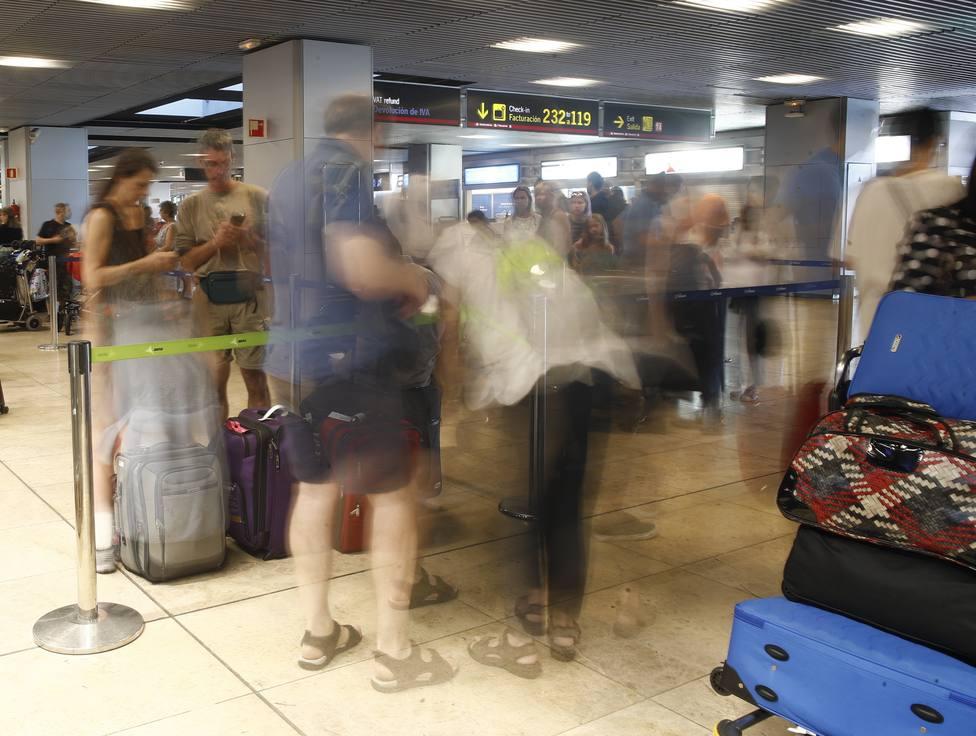 Desconvocada la huelga de limpieza en las terminales 1, 2 y 3 del aeropuerto de Barajas