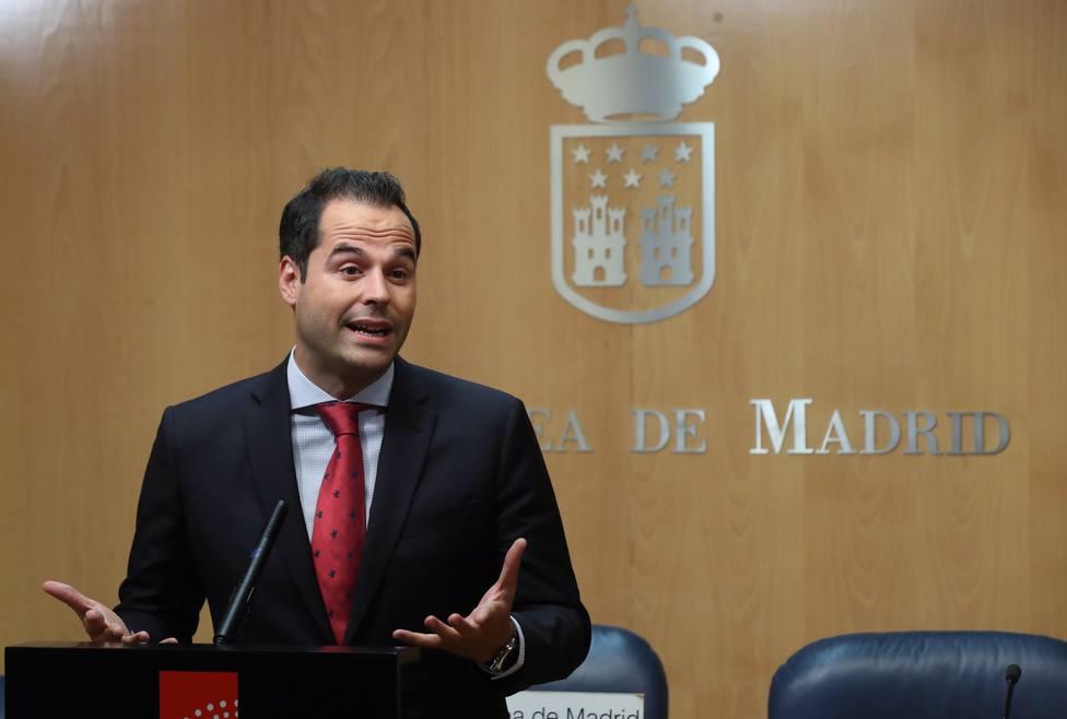 Las cuotas de marzo y abril de los autónomos afectados por el coronavirus serán asumidas por Madrid
