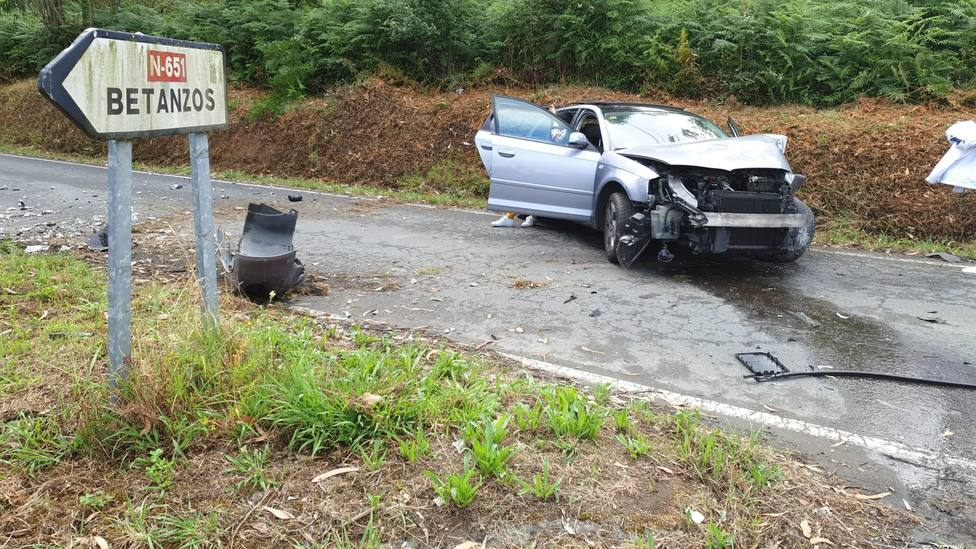Estado en el que quedó el vehículo accidentado - FOTO: Guardia Civil de Tráfico