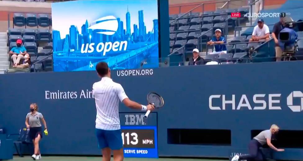 Djokovic Descalificado Del Us Open Tras Golpear Con La Pelota A Una Juez De Linea Open Usa Cope