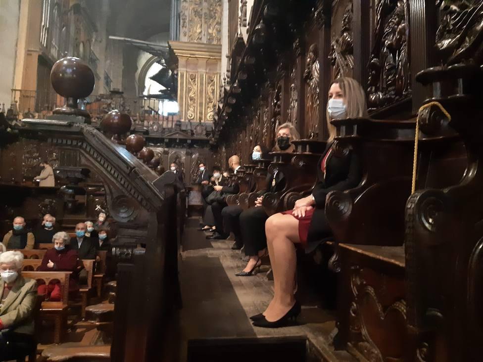 La alcaldesa presidió la ofrenda a San Froilán en la catedral de Lugo