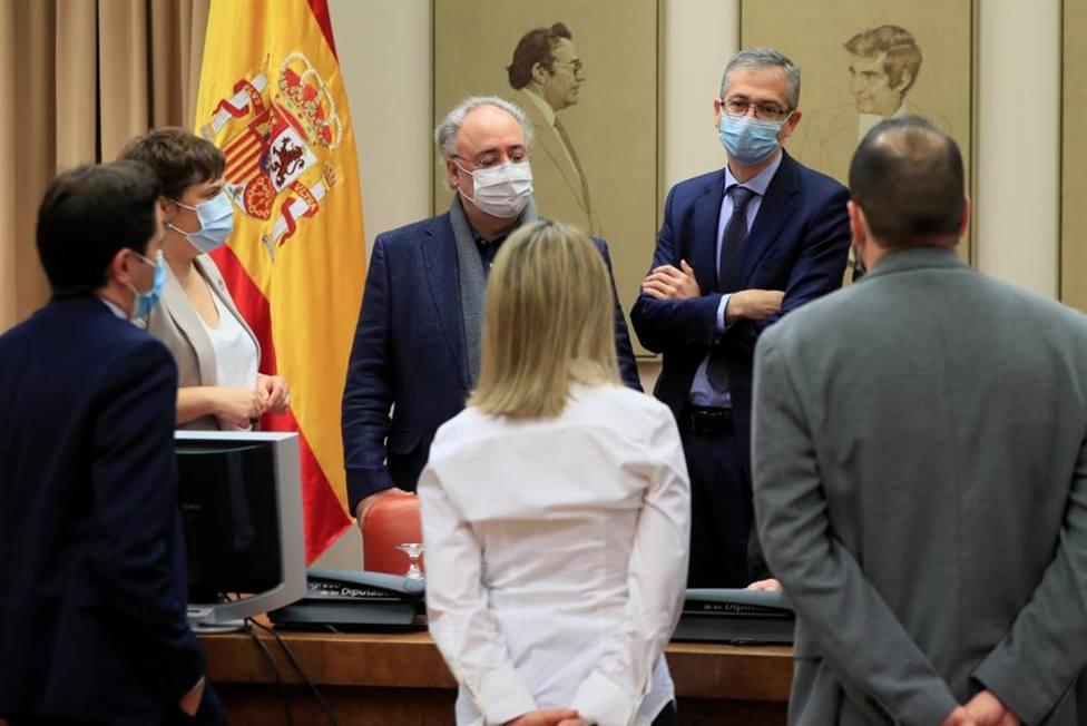 El gobernador del Banco de España, Pablo Hernández de Cos, antes de su comparecencia en el Congreso