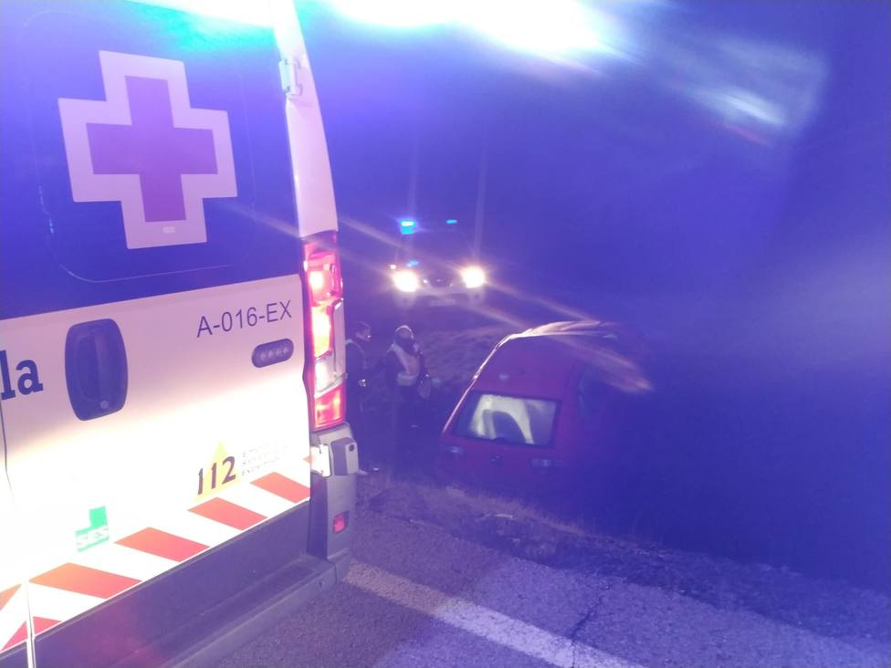 Accidente en Usagre (Badajoz). Foto: @CruzRojaEx (Cruz Roja Extremadura)