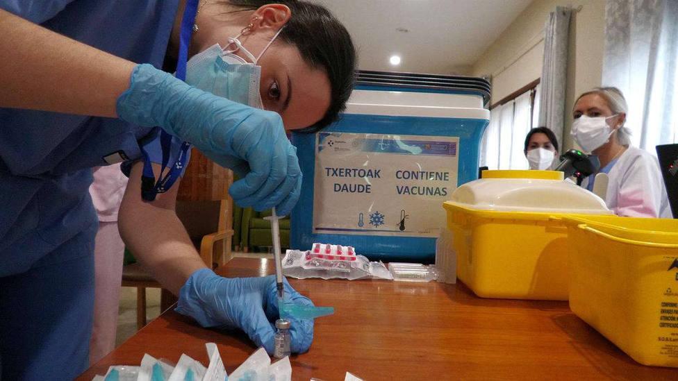 Euskadi alcanza los 89 muertos por coronavirus en una semana y suma 1.104 nuevos contagios