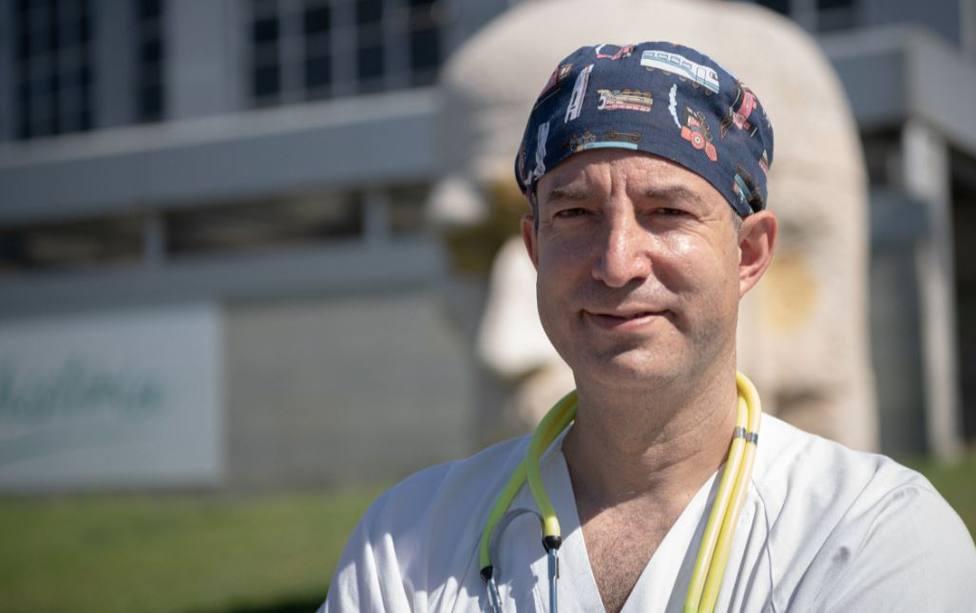 El doctor Carballo, incrédulo con la última propuesta de Sánchez con la vacunación: La decisión está tomada