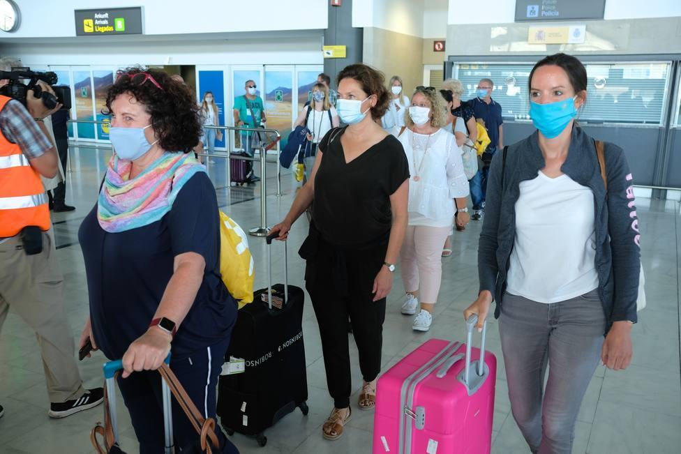 Las islas en nivel 3 de alerta pueden recibir turistas que acrediten prueba negativa de covid