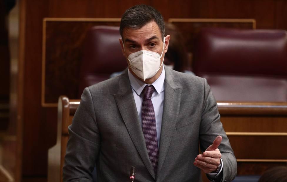 Sánchez frena su idea de eliminar la reducción por la tributación conjunta del IRPF antes del 4-M