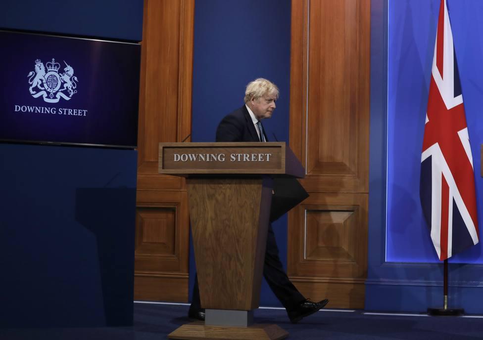 Boris Johnson pospone el levantamiento de las restricciones ante el avance de la variante Delta